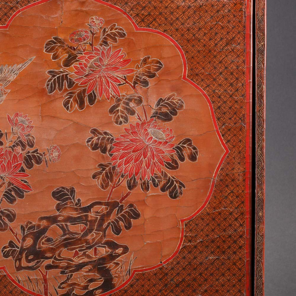 A small tianqi lacquer cabinet with birds among flowers - 2