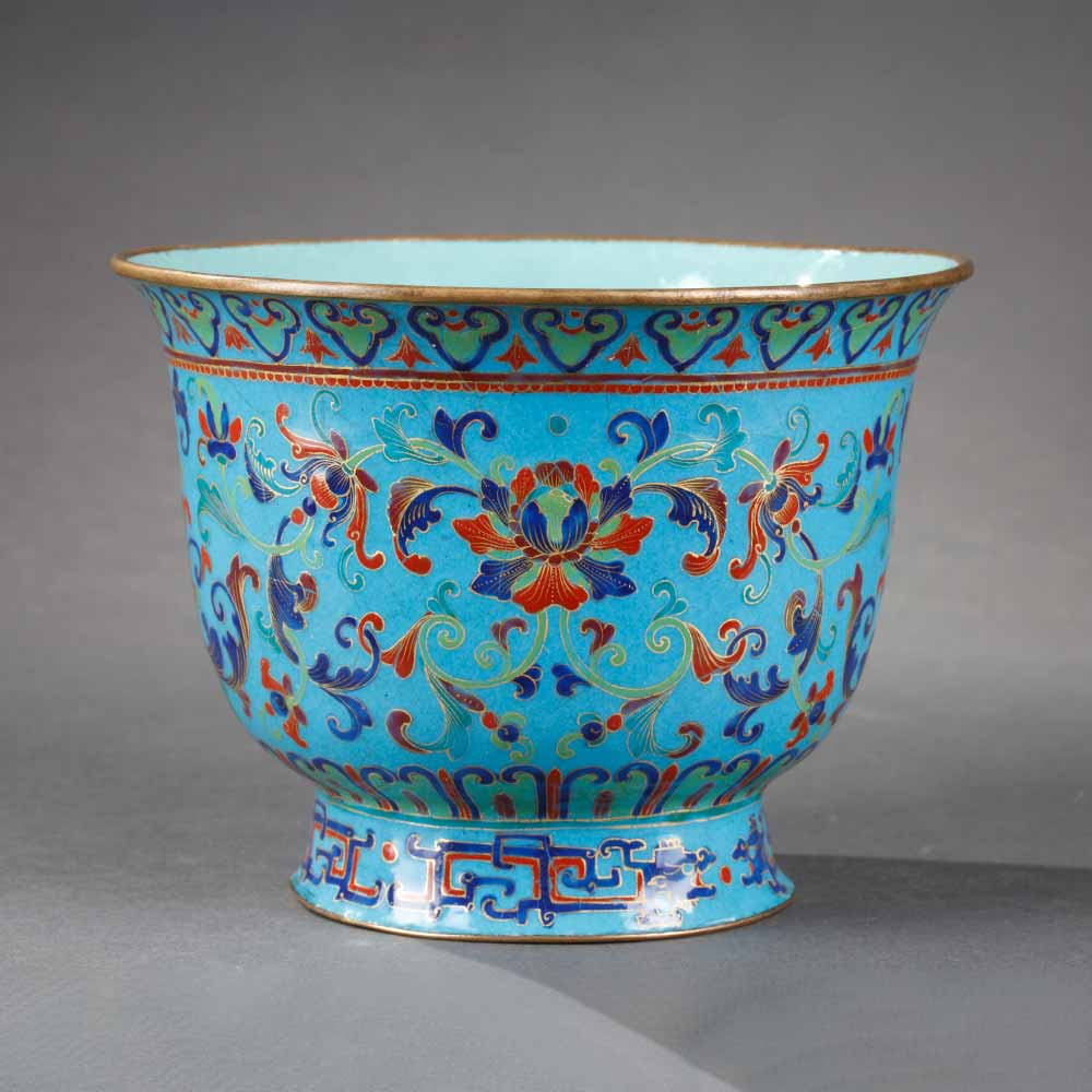 Small painted enamel cooler decorated with floral scrolls - 1